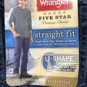 NWT Wrangler Straight Fit Jeans 30 x 30